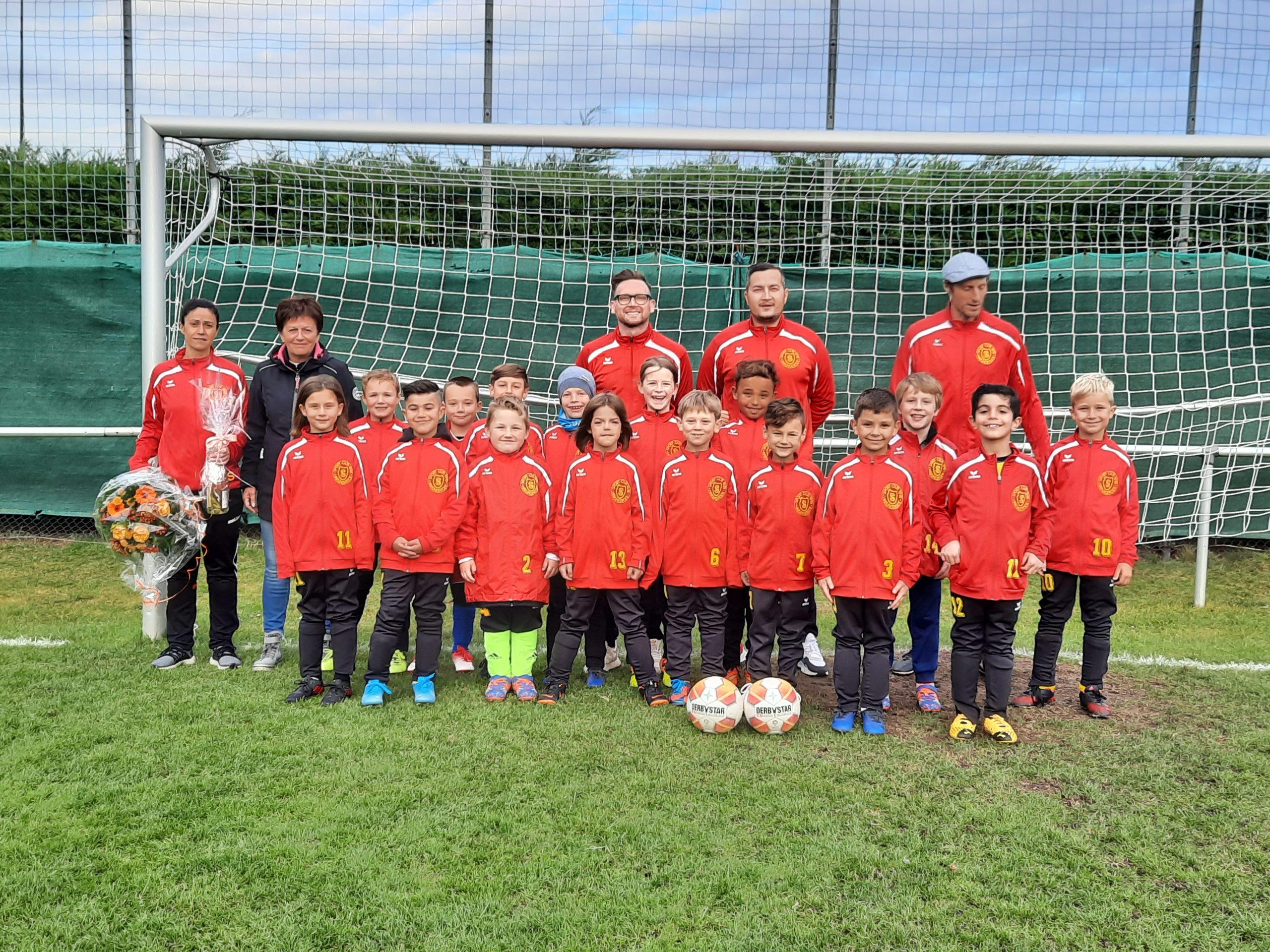 Read more about the article Neue Trainingsanzüge für  die F-Junioren